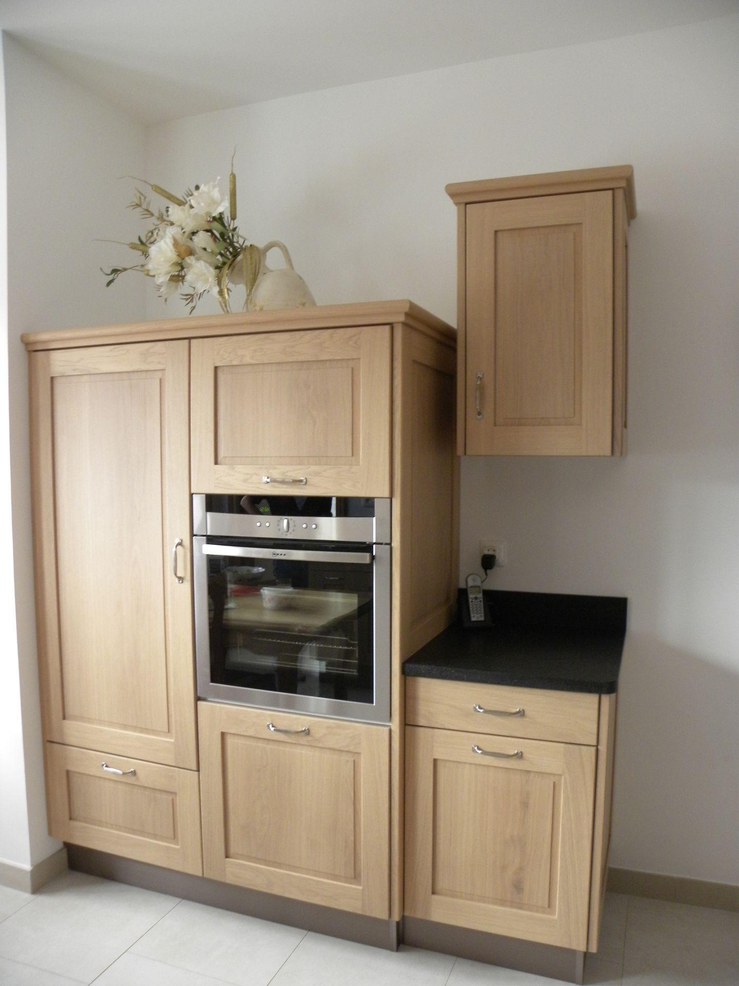 Cuisine moderne ch ne naturel verni mat gilles martel for Decaper meuble vernis chene
