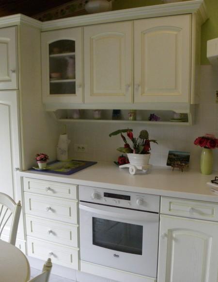cuisine contemporaine laqu e blanc rechampi vert gilles. Black Bedroom Furniture Sets. Home Design Ideas