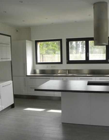cuisine blanc brillant buffet de cuisine eco buffet 120. Black Bedroom Furniture Sets. Home Design Ideas