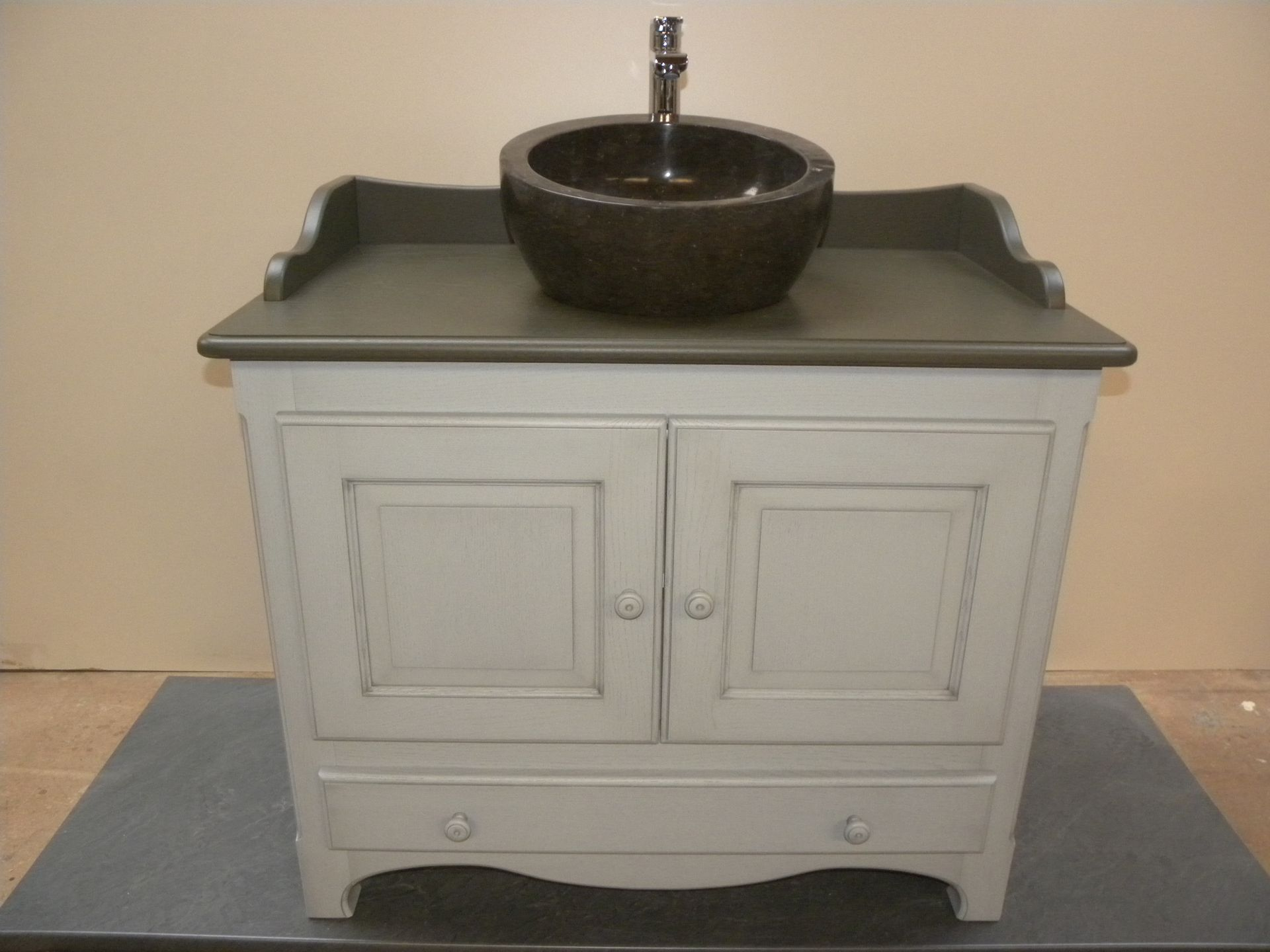 Meuble salle de bains blanc gilles martel - Creation meuble salle de bain ...