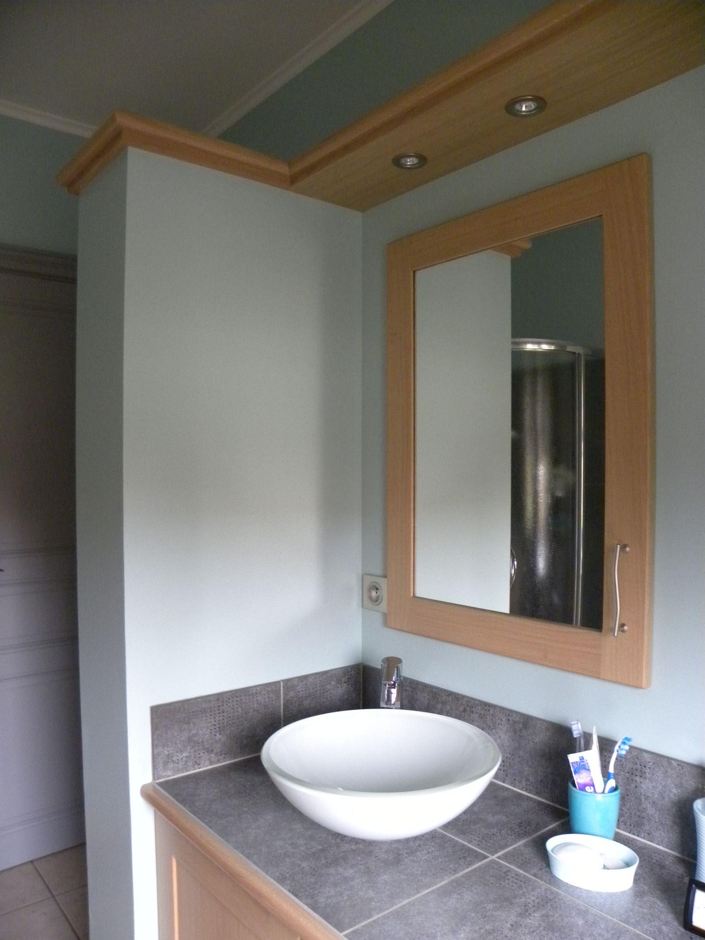 Salle de bains contemporaine bois gilles martel for Salle de bains contemporaine