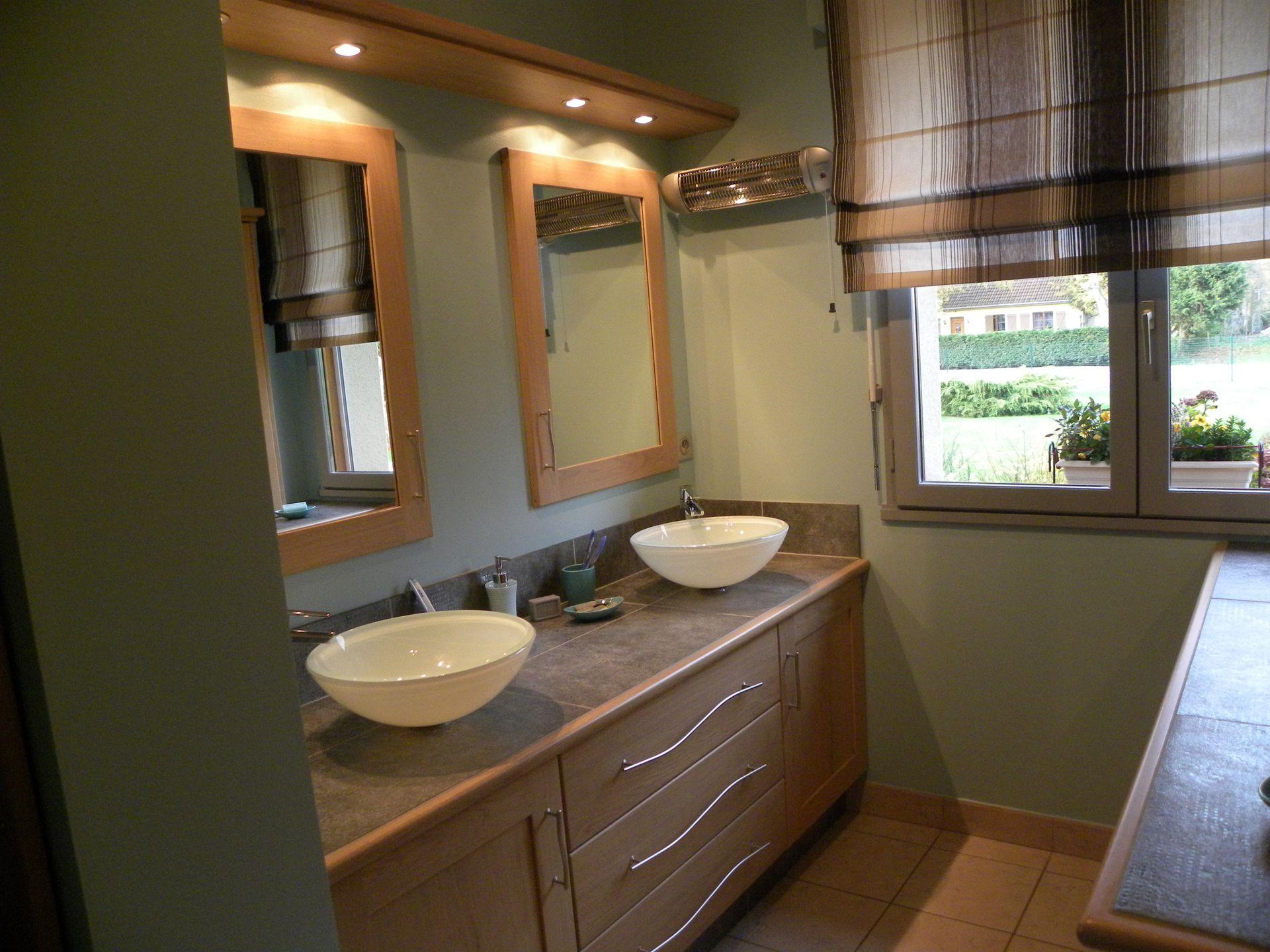 Salle de bains contemporaine bois gilles martel for Photo salle de bain contemporaine