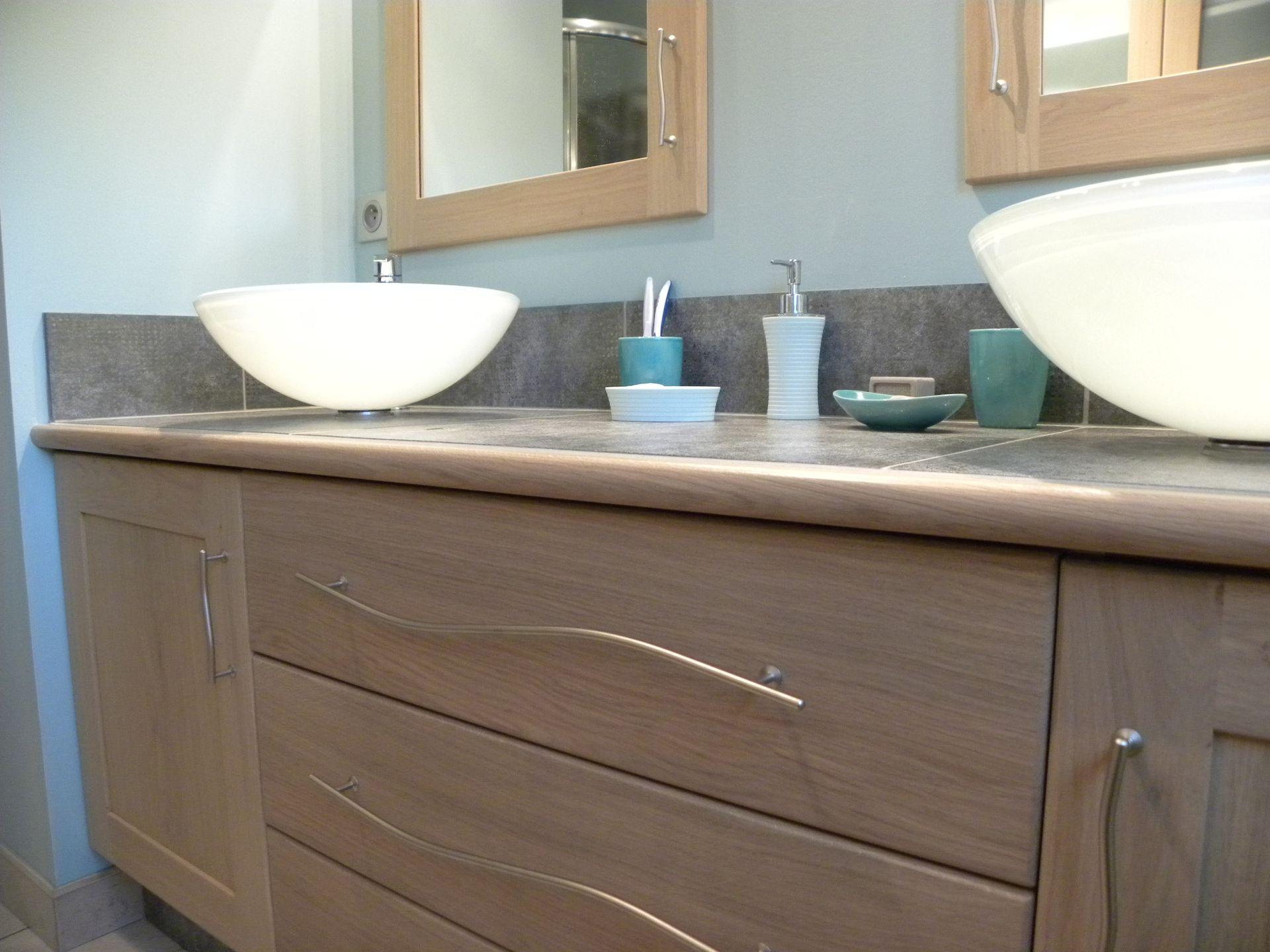 Salle de bains contemporaine bois gilles martel for Salle bain contemporaine