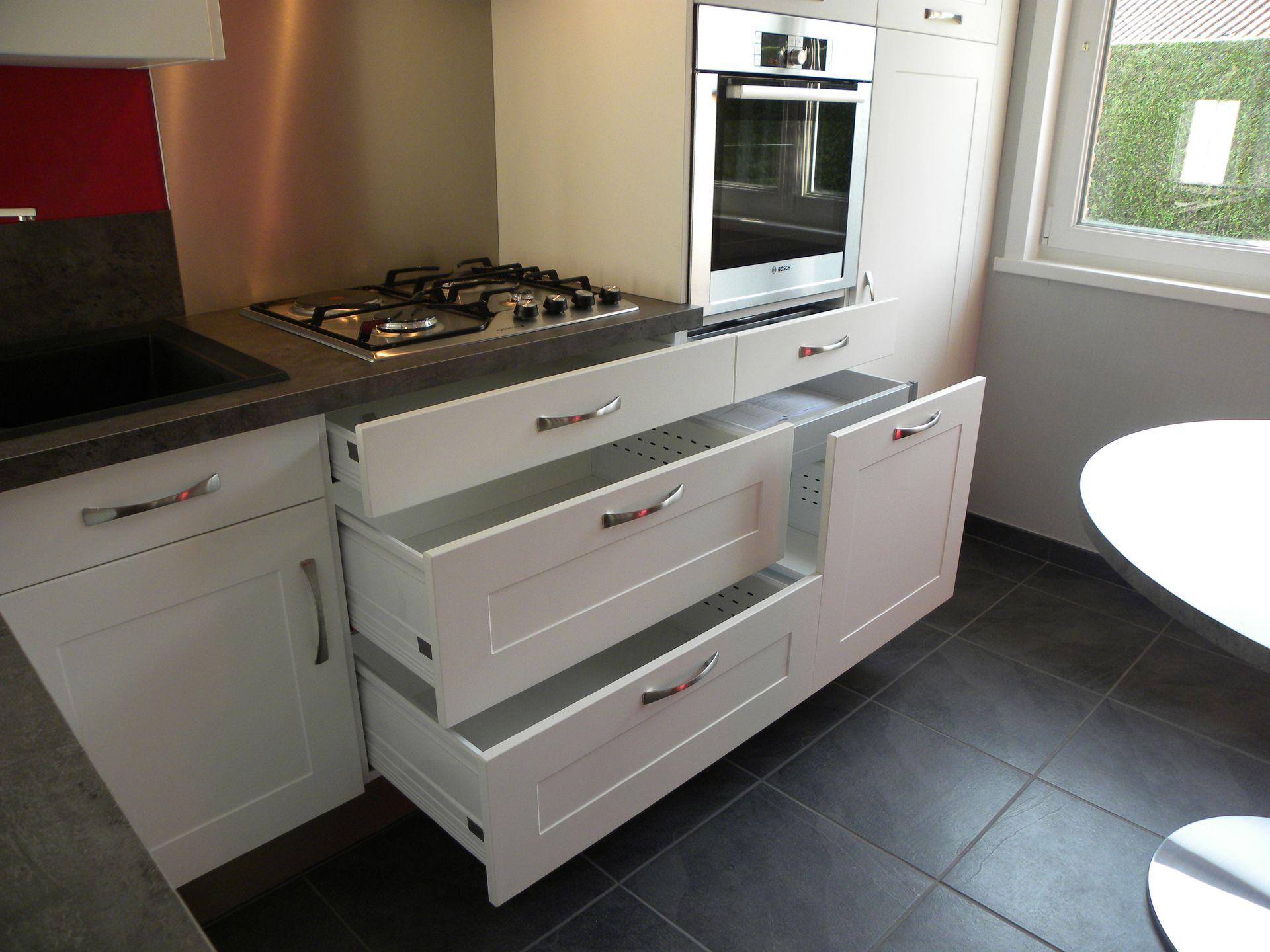Cuisine moderne polym re blanc gilles martel for Cuisine moderne en blanc