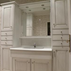 cuisines martel-salle de bains laquée blanc patine grise