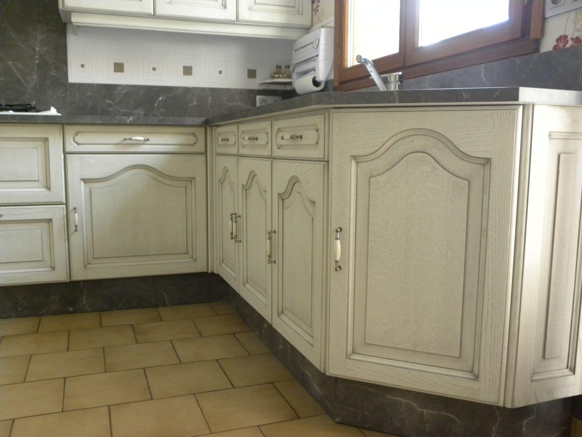 cuisine blanc cassé patine grise - gilles martel