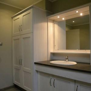 cuisines martel-salle de bains et armoire de rangement blanc cassé patine grise