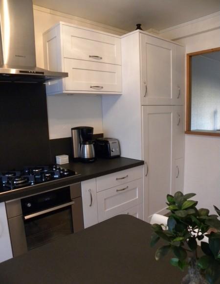 cuisine contemporaine ch ne laqu e blanche gilles martel. Black Bedroom Furniture Sets. Home Design Ideas