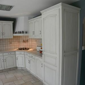cuisines martel - cuisine laque blanche patine grise